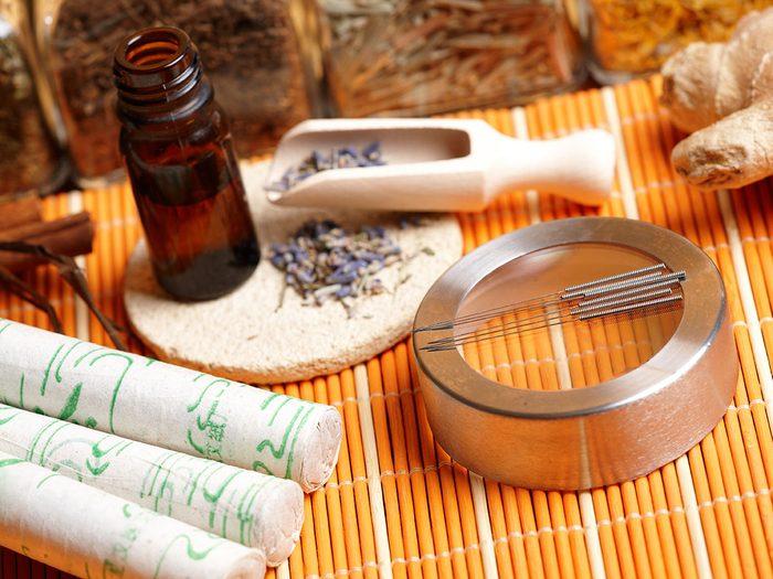 traditional chiene medicine acupuncture tools
