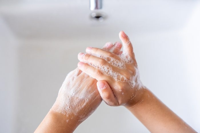 first sign of the flu was hands