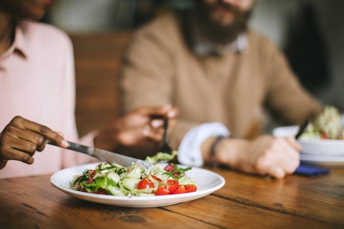 Gluten-free Diet   Celiac Disease   Gluten sensitivity   Gluten Intolerance   Couple eating salad for dinner