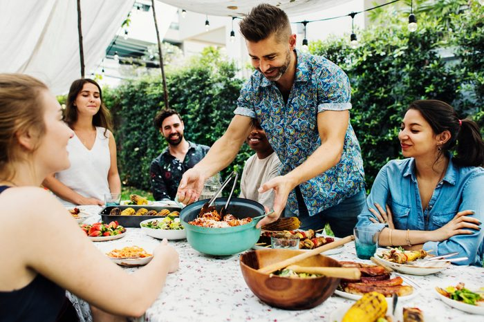 Gluten-free Diet   Celiac Disease   Gluten sensitivity   Gluten Intolerance   Family enjoying dinner outside