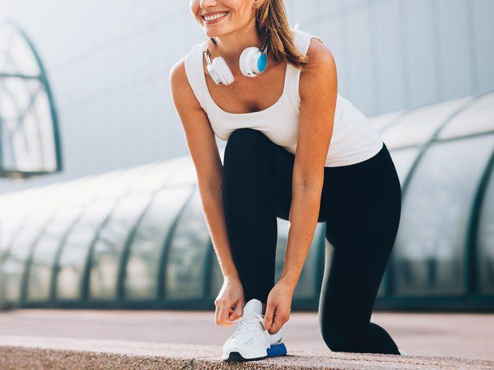 shin splints   Woman running