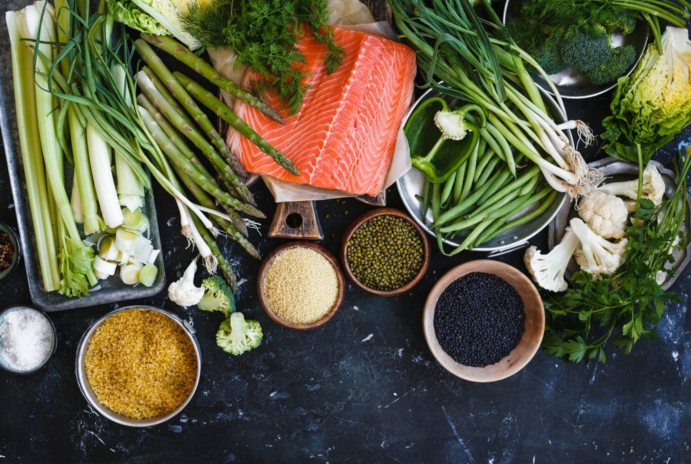 Raw fish and vegetables and grains
