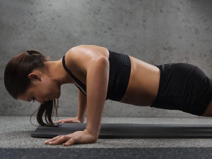 how to do proper push-ups