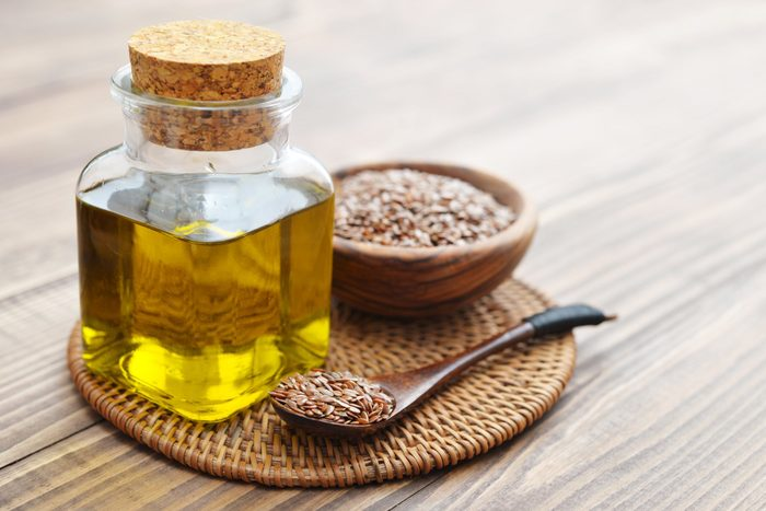 healthiest cooking oils | Flaxseeds and oil
