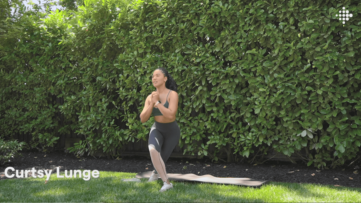 Ayesha Curry curtsy lunge