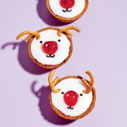kim joy reindeer tarts | little reindeer cookies on a purple background