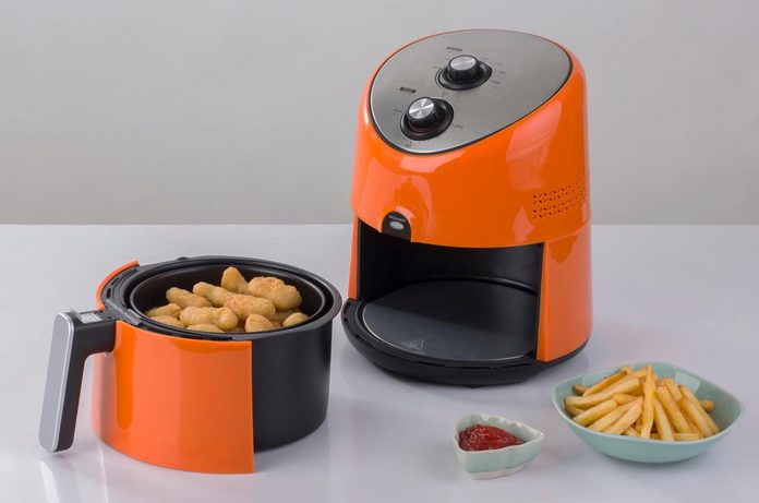 air fryer mistakes   image of an airfryer on the table
