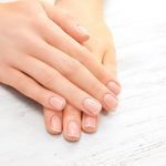 7 Hacks for Strong and Healthy Nails
