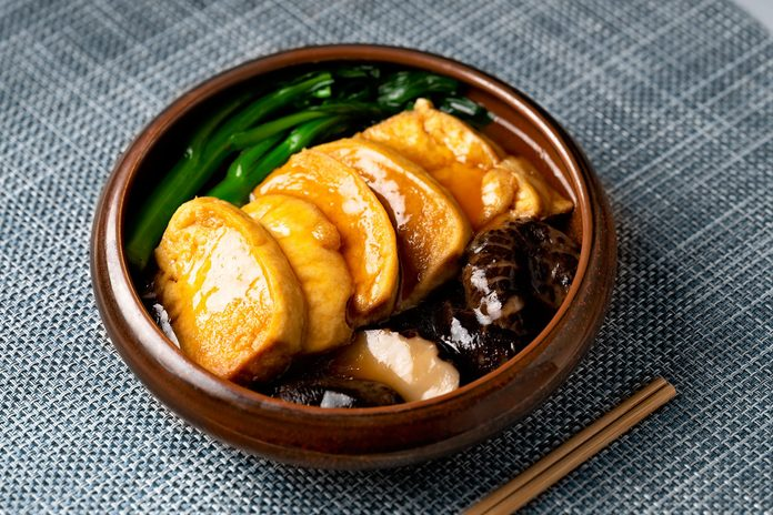 what is seitan | seitan served with mushrooms and vegetables