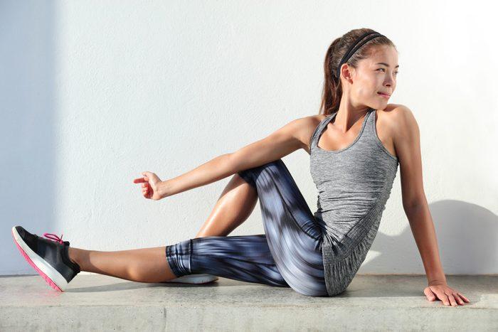 hip flexor stretch   woman doing hip stretch